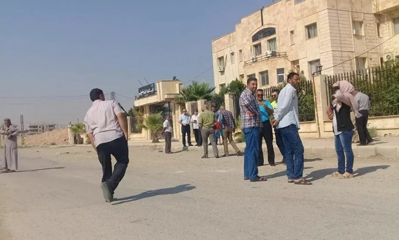 Employees keep protesting against SDF in Hasaka amid threats of arrest