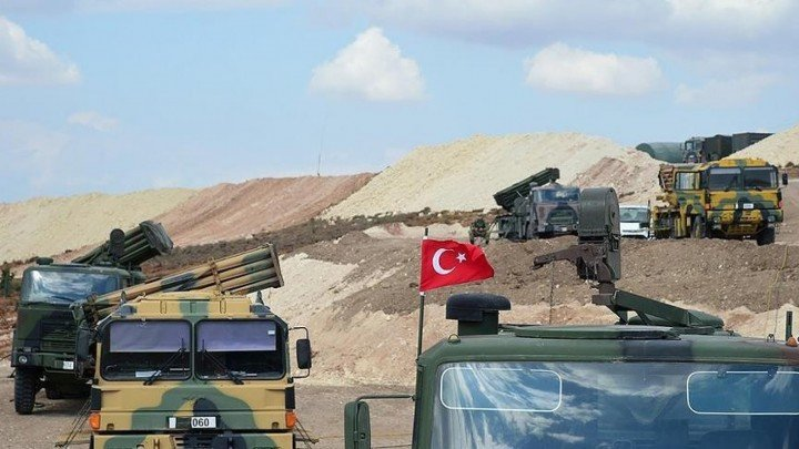 """Turkish observation point in the countryside of Aleppo strikes the """"Minyan"""" area west of Aleppo with several missiles."""