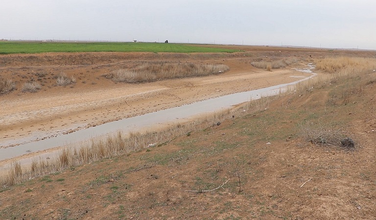 """The drought of the """"Khabur"""" river, as Turkey continues to cut off the Euphrates water from Syria."""